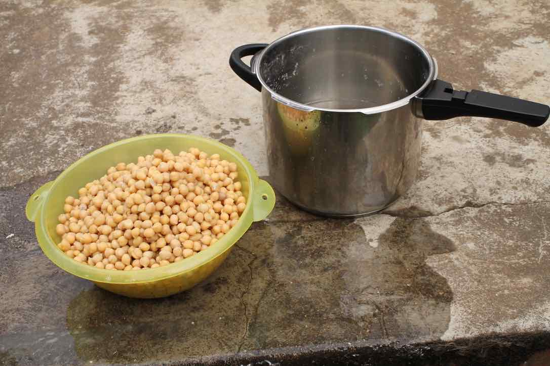 Chickpeas pressure cooked