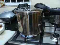 Pressure cooker for chicken broccoli recipe.