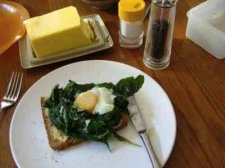 Photo of eggs Florentine this time on toast which is frowned upon when banting.