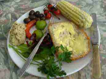 This lunch of low GI bread made with healthy flour and numerous salads is a rich source of phytosterols.