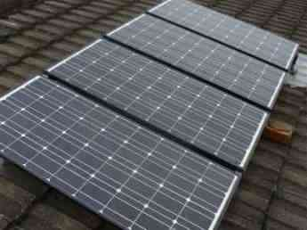 4 90W solar panels on a chiropractors clinic.